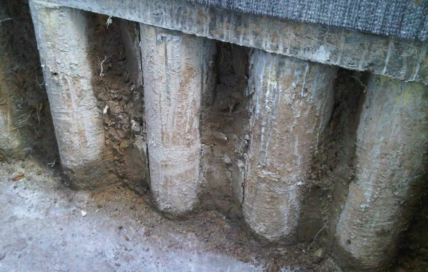 Construção de Porão e Estacas pranchas Muros de Retenção