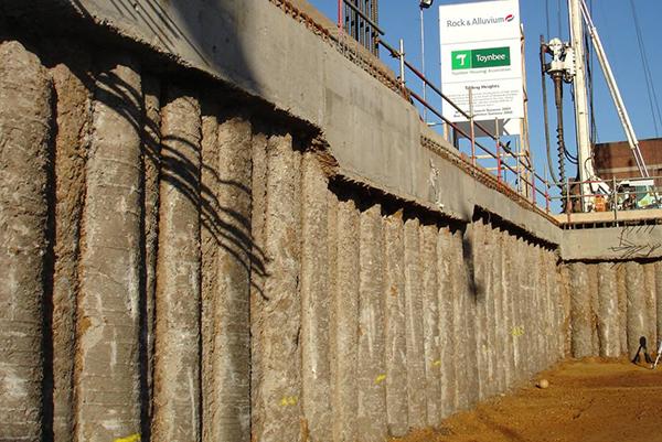 Muro de contenção Estaca prancha Construção Estacionamento