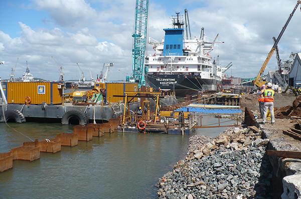 Porto Típico e Estacas-prancha de Aço Estruturas